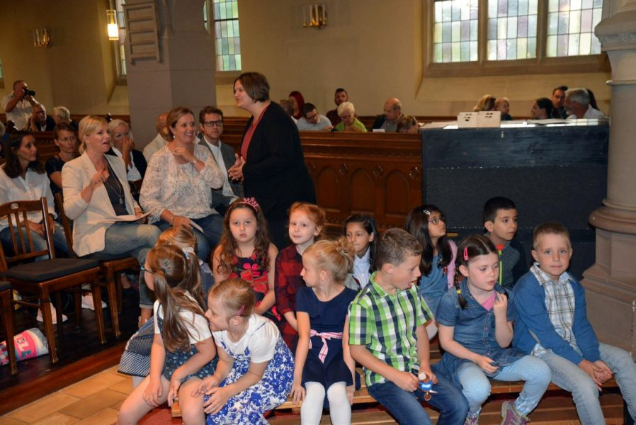1. Einschulungs-Gottesdienst Talkirche 8-17 (2)