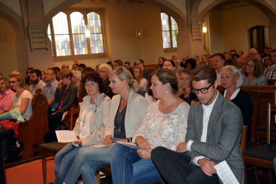 1. Einschulungs-Gottesdienst Talkirche 8-17 (6)